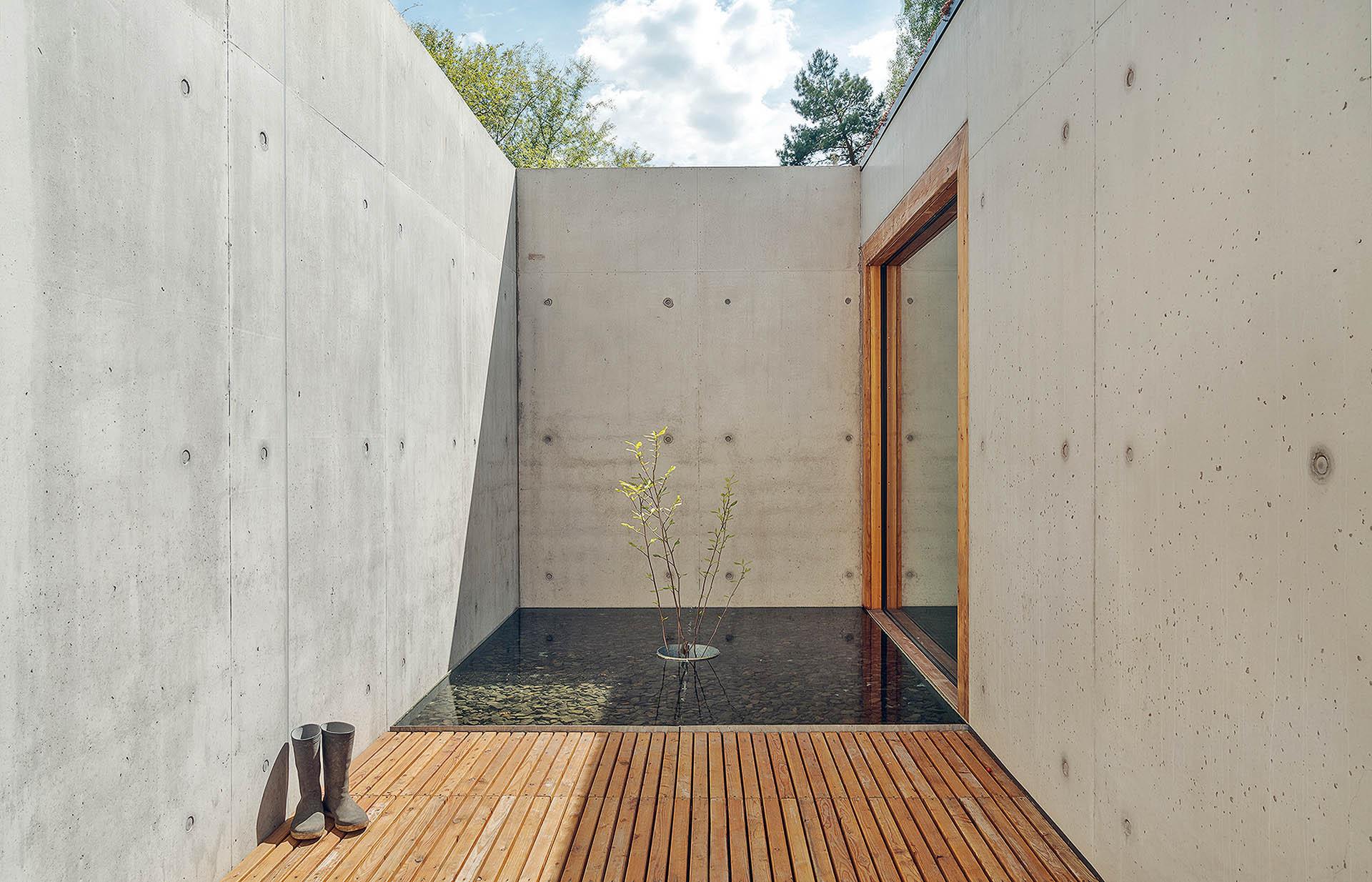 mur oporowy i patio