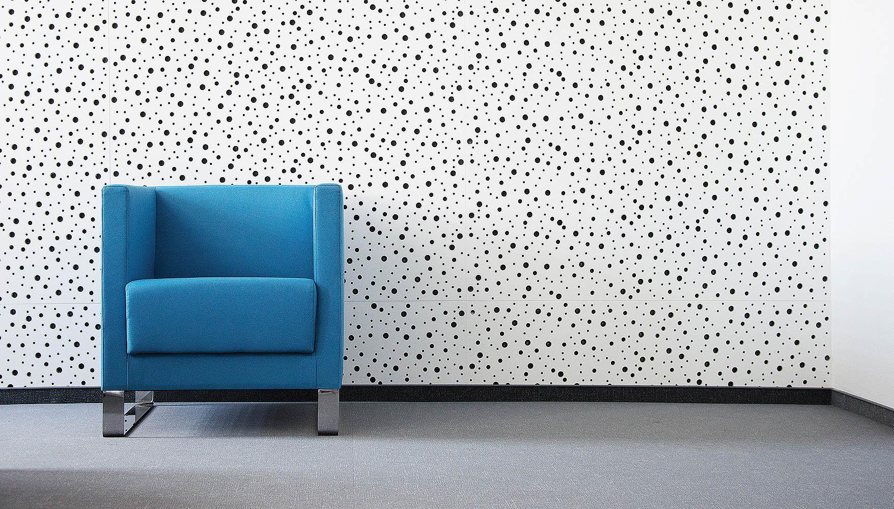 Rigitone – dźwiękochłonne płyty do ścian i sufitów © RIGIPS