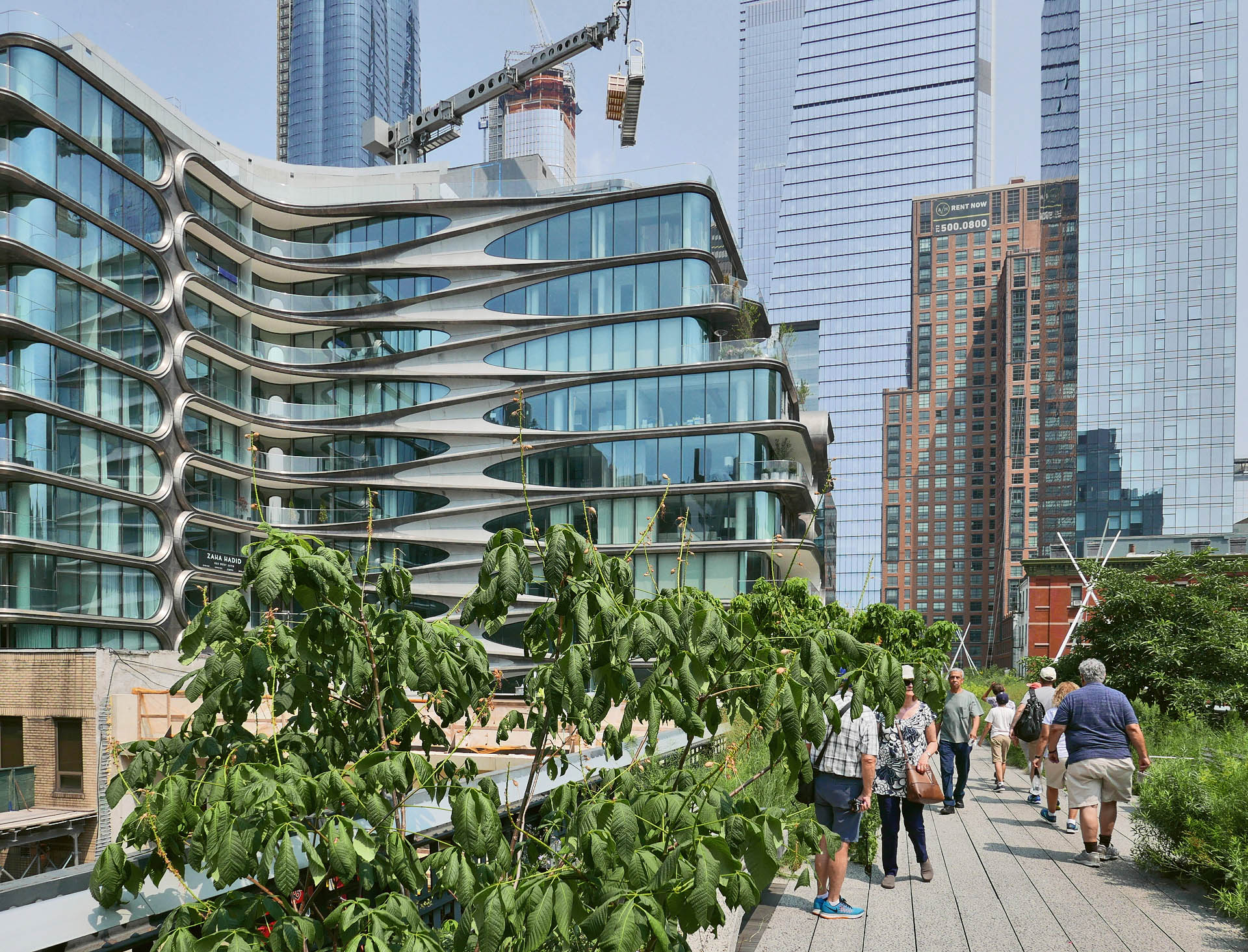 widoczny od strony promenady 520 West 28th, czyli budynek autorstwa Zaha Hadid Architects